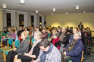 Versammlung in der Lukaskirche
